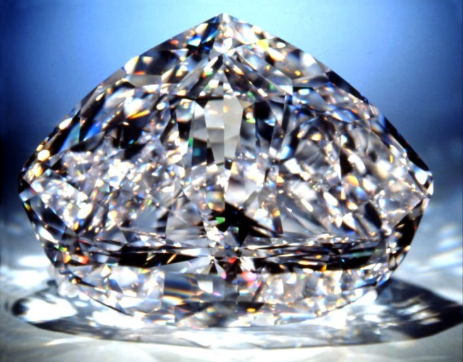 de beers diamond jewelersí essay Free essay: the de beers group, the dominant agent in the diamond mining,  industrial diamond manufacturing and diamond trading sectors, has a significant.